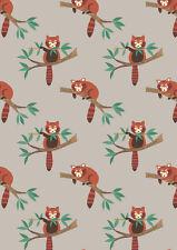 Cuarto gordo Panda rojo de luz Gris 100% Algodón Acolchado Tela Lewis Y Irene