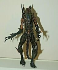 Neca Gold Aliens Kenner Tribute Scorpion Alien 9' inch tall Action Figure