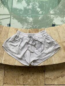 """Lululemon Hotty Hot shorts sz 4, 2.5"""" White"""