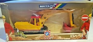 Britains 1/32 Road Series JCB Excavator with driver 9913 Boxed