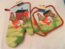 3 Piece Rooster, country  Kitchen Decor 2 Potholders, 1 Oven mitt set