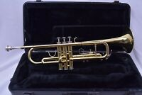Vito T502 Bb trumpet and case, mouthpiece