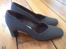 Giorgio Armani Le Collezioni Gray Fabric Womens Dress Shoes Heels Pumps 5 35