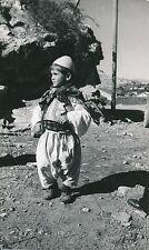 ALBANIE c. 1940 - Jeune Garçon Albanais Costume Traditionnel - DIV 9784
