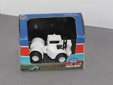 Vintage BIG BUD Model HN 320 Toy Tractor 1:64 scale Made by MARTIN FAST NIB
