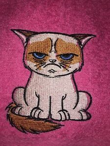 Embroidered PINK Bathroom Hand Towel HS1014  GRUMPY CAT FROWNING