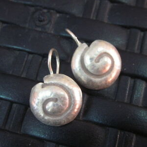 Silver Earrings Hill Tribe Handcraft Ethnic Artisan Classic Spiral Shell er035