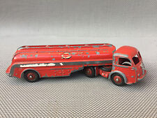 Ancien camion citerne Panhard ESSO miniature Dinky Toys antique toy