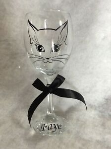 Personalised Cutie Cat Wine Glass Ideal Mothers Day/ Birthday/ Christmas gift