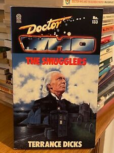 doctor who target book -  THE SMUGGLERS - 1st edition