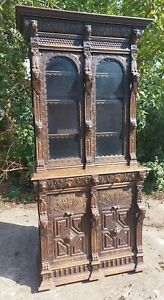 Stunning Victorian Heavily Carved Gothic Bookcase with 2 Keys, Glazed Top Sectio