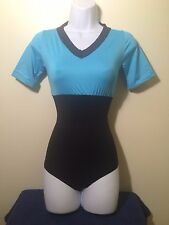 Virtual Studio- Body Blusa Azul de Control, Tanga, Lycra y Faja de Comprension