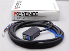 Keyence PZ-V11 Square Reflective, Cable Type, NPN Amplified Photoelectric Sensor