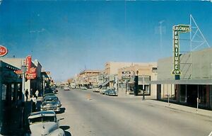 LAS CRUCES, NEW MEXICO - BUSY MAIN STREET - 1957 - OLD POSTCARD VIEW