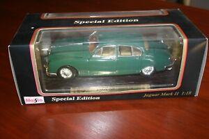 Jaguar Mk2 Car 1:18 model racing green - original box, good - not used (MOIR)