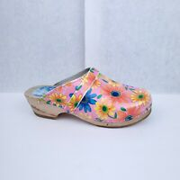 Cape Clogs pink Floral Leather Clogs 37 6.5 Sweden Shoes Mules Stapled