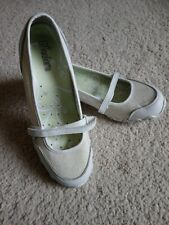 Womens sketchers trainers size 5
