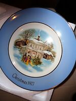 Wedgwood England 1977 Carollers in the Snow Avon Christmas Plate Series 5th Box
