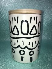 Casestudy DW HOME Jasmine Scented Candle 18.5 oz black and white pottery jar