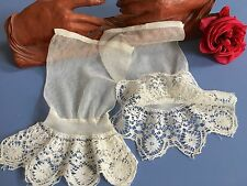 Paire de manches anciennes Tulle Dentelle aux fuseaux Collection Costume 1486/C