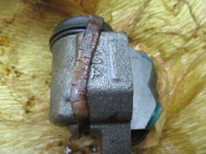 Morris Minor, Austin Healey Sprite right front brake wheel cylinder NOS Lockheed