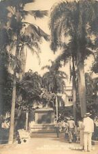 BARRANQUILLA, COLOMBIA ~ BOLIVAR SQUARE & STATUE, PEOPLE ~ c 1904-14