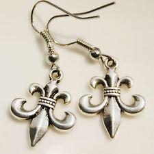1pair Fleur-de-lys earrings,fleur-de-lis ear ring,Cute earrings,silver color