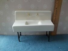 PORCELAIN KITCHEN SINK  - METAL LEGS . - DOLL HOUSE MINIATURE