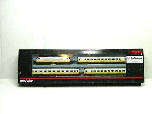 MARKLIN Z SCALE LUFTHANSA AIRPORT EXPRESS TRAIN SET 81281