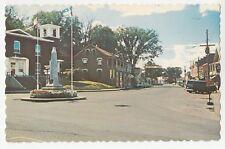 Rue principale Monument aux Braves War Memorial BEDFORD Quebec Canada Postcard