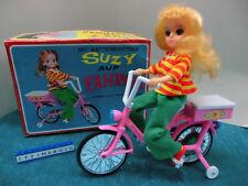 Spielzeugfahrrad mit Batterieantrieb und Puppe OVP  Barbie Clone Japan Vintage