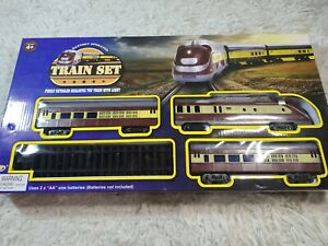 Express Train Set Battery Operated Realistic Toy Train With Lights, Boxed ~ NEW