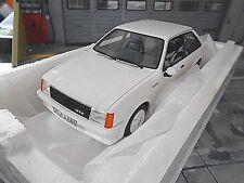 OPEL D Kadett GTE GT/E Sport weiss white 1983 BOS Resine 1:18