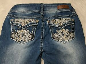Wallflower Embroidered Women's Size 7 Stretch Dark Wash Low Rise Flap Bootcut