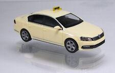 Wiking 014921 Volkswagen VW Passat B7 Limousine TAXI beige