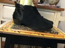 Munro American Ankle Boots Women's Fashion Black Suede/ leather Zipper Sz 9.5M