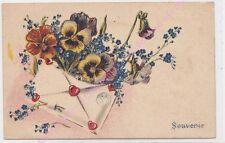 CPA FANTAISIE Souvenir enveloppe coeurs rouge fleurs