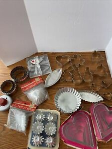 Vintage Lot Metal/Aluminum Mini Baking Molds Tartlet Pans Cookie Cutter 71 Pc