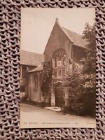 Old House in Cathedral Close - Wells - Vintage Postcard