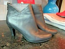 EXCELLENT Tsubo Womens BLACK Leather Ankle Boots Sz US 6