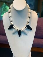 "Vintage Large Black faceted Lucite White bib  statement necklace Beaded 18"" Ling"
