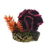 Violet Ondulé Corail Sur un Rocher Base avec Plante Décoration D'Aquarium