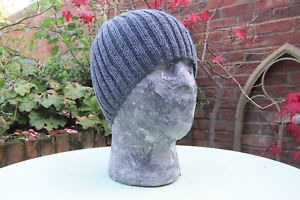 Hiker's Beanie Slate Grey 100% Cashmere yarn Handcrafted size medium-large NEW