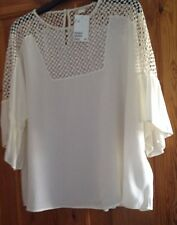 NEW WITH TAG H&M CREAM BLOUSE WITH CUTOUT DETAIL FRILL SLEEVES SIZE46(20)SM12-16