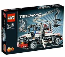 LEGO Technic 8071 Bucket Truck 593 Pieces New Sealed