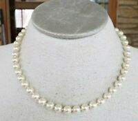 """Vtg Glass Pearl Bead Choker Necklace Knotted 17.5""""  Gold Tone Hand Tied Princes"""