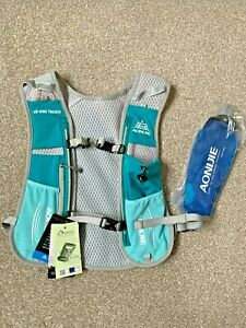 Lightweight Hydration Vest Pack inc.500ml soft water bottle