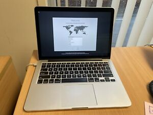 "Apple MacBook Pro 13.3"" Retina • Intel i5 • 500GB • 8GB RAM"