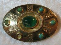 Herrliche Art-Decor Designer Brosche mit 6 grünen Steinen aus 750 Gold um 1920