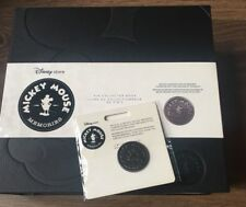 Disney  Mickey Mouse Memories Pin collector book/album.Limited pin included